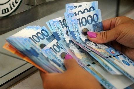 菲律宾总统府关注中小微型企业13月工资
