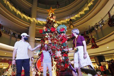 菲律宾人爱圣诞 新冠疫情中寻乐
