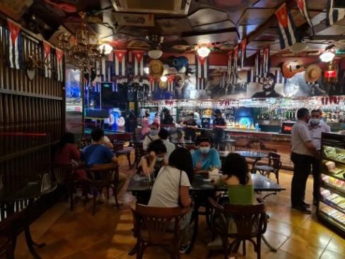违规酒吧狂欢 9名中国人在菲律宾被捕