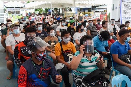 菲律宾总统再令室内外强制戴面罩