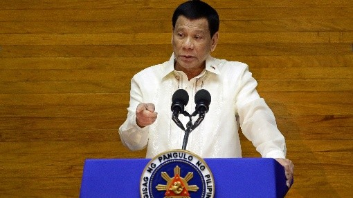 杜特地:不打疫苗就坐牢 菲律宾总统府司法
