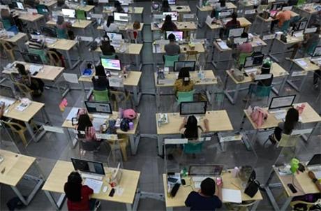菲律宾重新开放学校 首次120 所