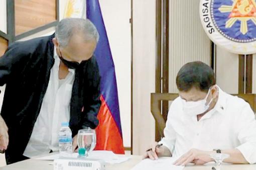 杜特地满意度微降至75% 菲律宾民众认为政府抗疫并无失当